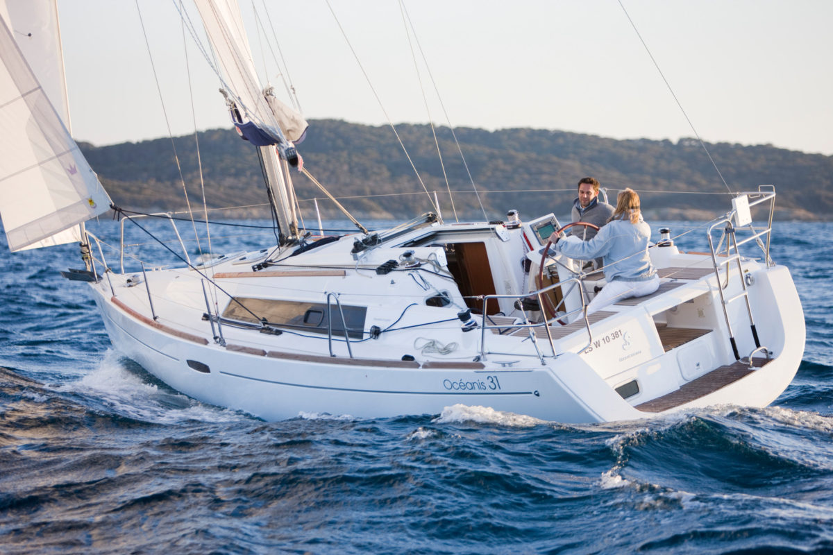 2018 Oceanis 31 – Three Years Free